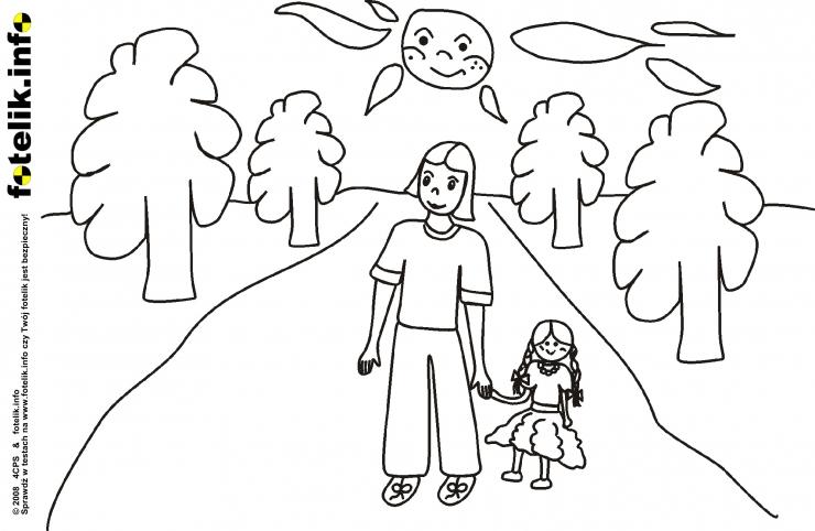 Dziewczynka z lalą na spacerze